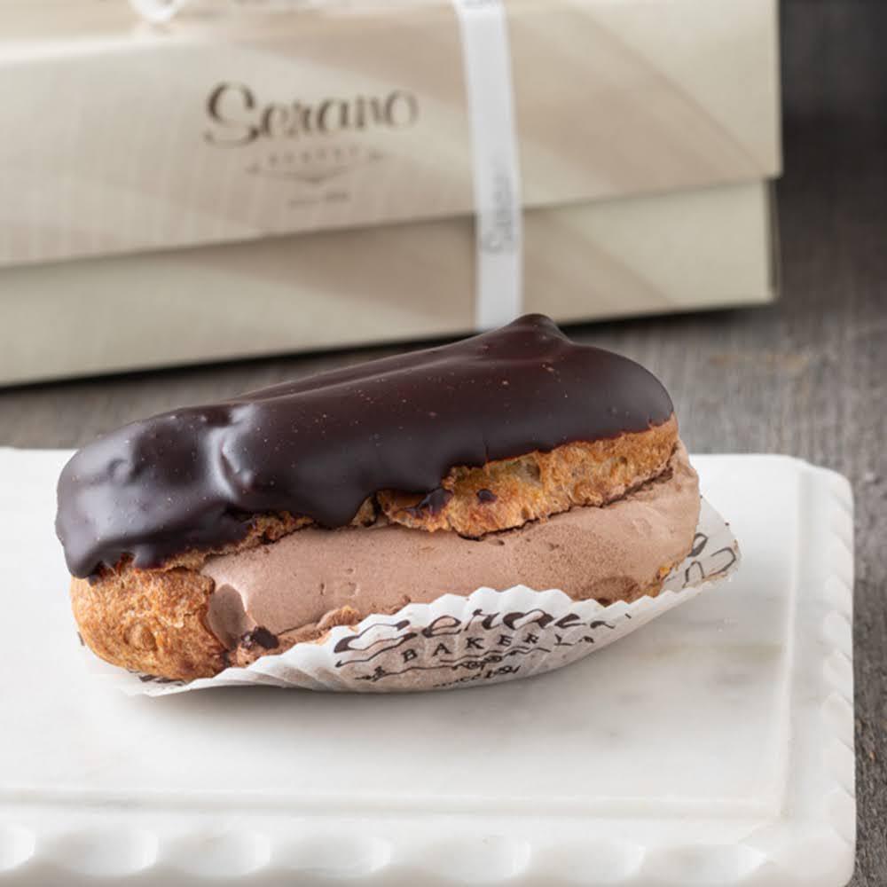 Large Chocolate Éclair