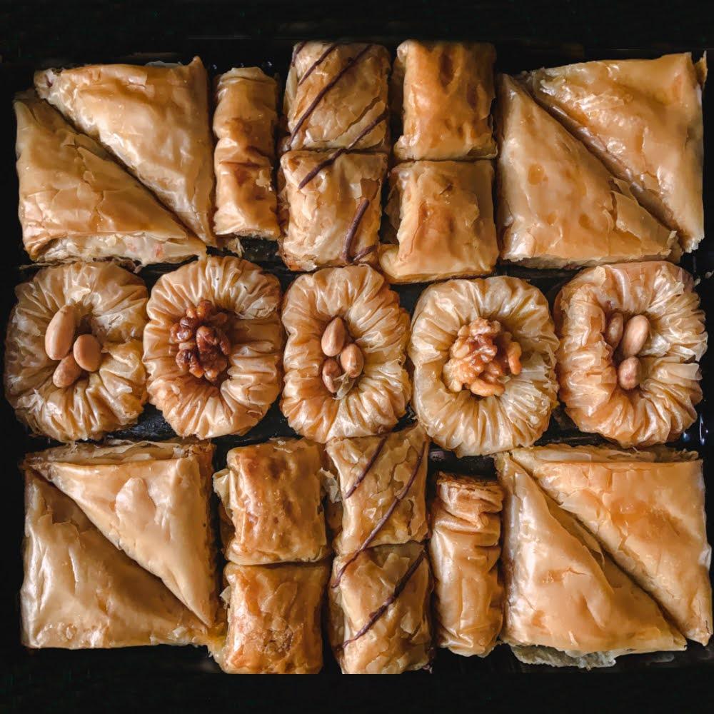 assorted-tray-baklava