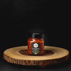 lutenica-roasted-red-peppers-and-tomatoes-mild-spread